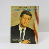 Spotlight Wonder Book 1964 The Story of John F. Kennedy