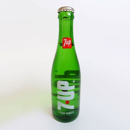 Seven Up Vintage Full 7 oz. Red Dot Green Soda Bottle