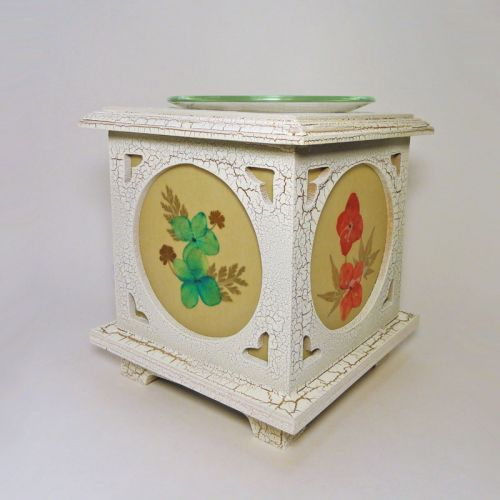 Wood with Floral Panes No. 05 Electric Oil Tart Warmer