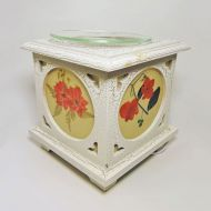 Wood with Floral Panes No. 06 Electric Oil Tart Warmer
