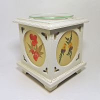 Wood with Floral Panes No. 08 Electric Oil Tart Warmer