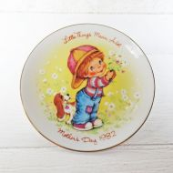 Avon 1982 Mothers Day Collector Plate